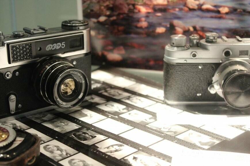 выставка старинных фотоаппаратов и фотографий, город Пушкин, библиотека им. Д. Н. Мамина - Сибиряка, 175 лет со Дня рождения фотографии