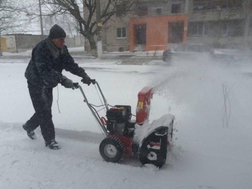В Николаеве на уборку снега в Корабельном районе вышло 13 единиц техники (ФОТО) (фото) - фото 3