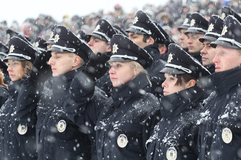 950 полицейских приступили к работе в Днепропетровске (ФОТО) (фото) - фото 4
