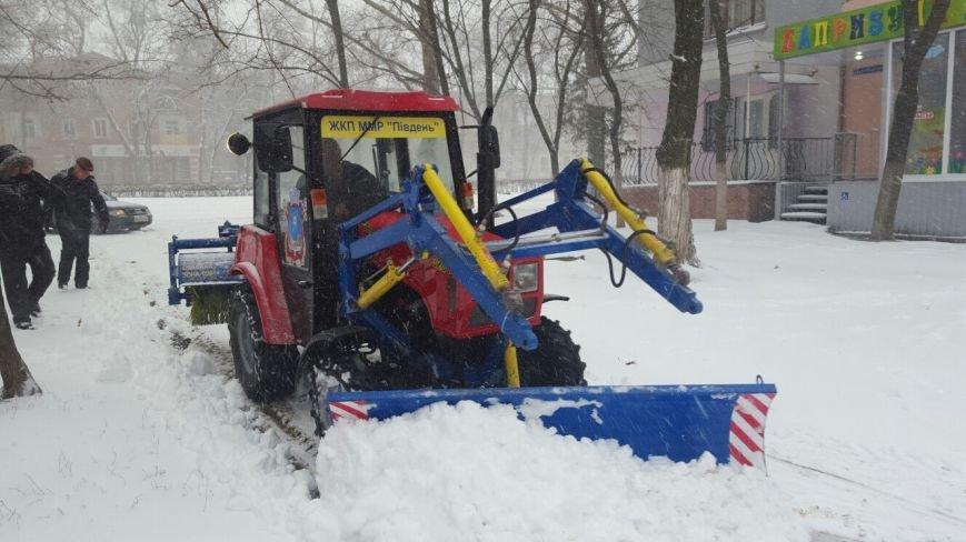 В Николаеве коммунальщики усилено убирают снег в Ленинском районе (ФОТО) (фото) - фото 3