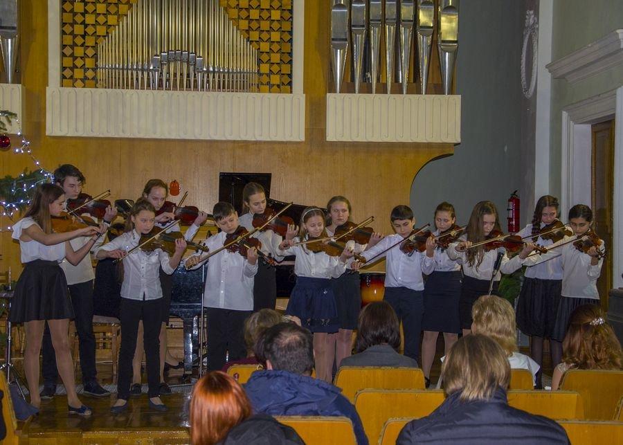 У Білій Церкві відбувся гала-концерт XXIII дитячого мистецького фестивалю «Різдвяні зорі»