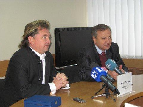 Вадим Писарев привез в Мариуполь Белоснежку (ФОТО)  , фото-1