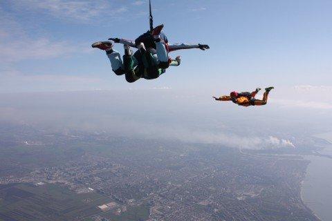 Мариупольские парашютисты этой зимой не будут «впадать в спячку», фото-1