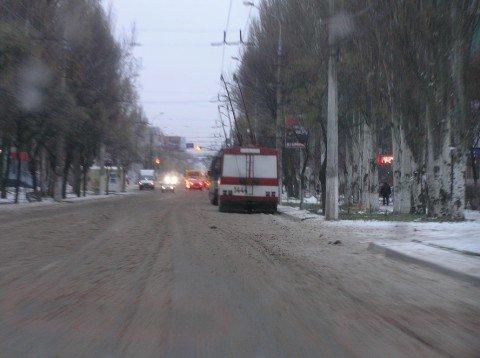 В  Мариуполе парализовало  троллейбусы (ФОТО), фото-1