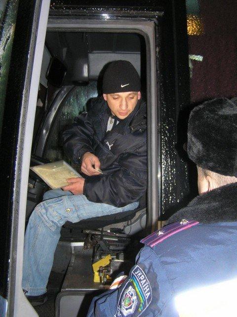 В Мариуполе работники  ГАИ    навестили водителей   маршруток (ФОТО), фото-1