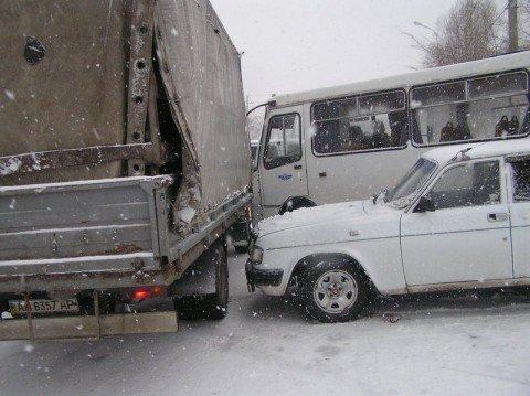В Мариуполь временно запрещен въезд грузового транспорта (Дополнено), фото-1
