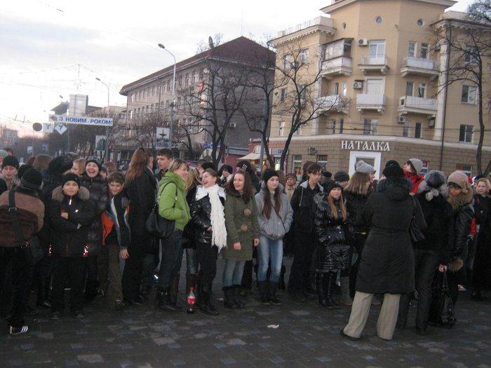 В Мариуполе Юрий Хотлубей зажег главную елку города (ФОТО), фото-3