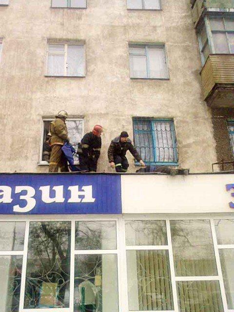 В Мариуполе мужчина, выбросившийся из окна, скончался в больнице (ФОТО), фото-1