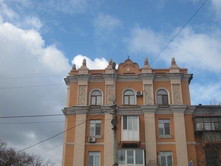 Таким голубым может быть небо над Ильичевским районом