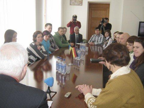 Немецкие студенты в Мариуполе учили логистику и пробовали борщ (ФОТО), фото-1