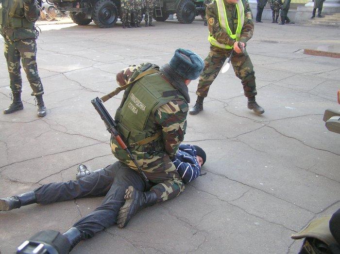 Донецкие пограничники отметили юбилей отряда показательным задержанием нарушителей (ФОТО), фото-2