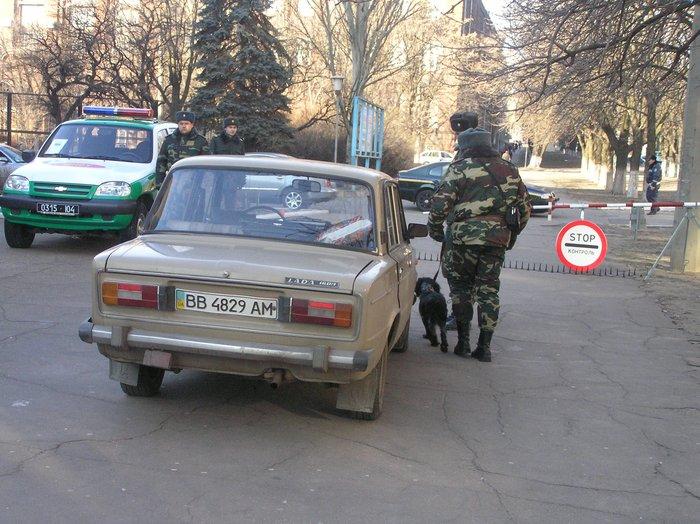 Донецкие пограничники отметили юбилей отряда показательным задержанием нарушителей (ФОТО), фото-1