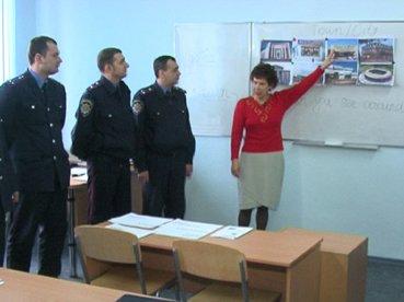 Мариупольские милиционеры преодолевают языковой барьер (ФОТО), фото-1