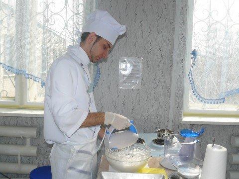 Мариуполец Даниил Соков признан одним из лучших кондитеров области (ФОТО) , фото-1