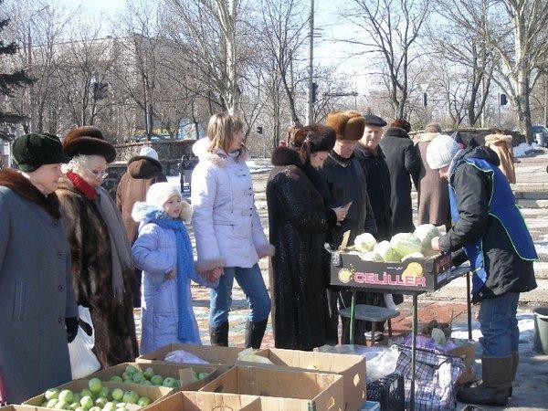 Масленица в Мариуполе радовала блинами и дефицитной гречкой (Фоторепортаж), фото-19