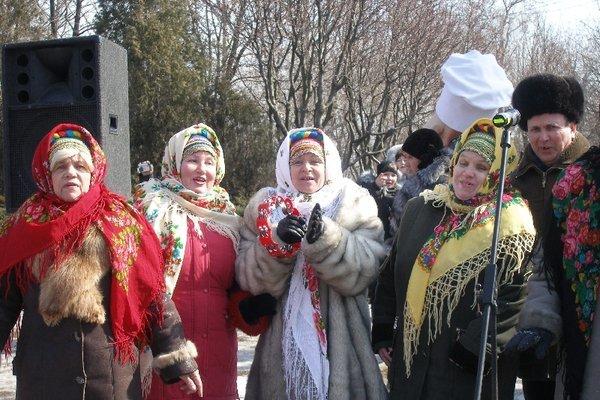 Масленица в Мариуполе радовала блинами и дефицитной гречкой (Фоторепортаж), фото-14