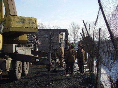 Ильичевцы не дали мариупольским арестантам замерзнуть (ФОТО), фото-1