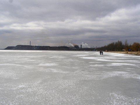 Азовское море покрыто «опасным» льдом. Спасатели предупреждают: выходить на него нельзя (ФОТО), фото-1