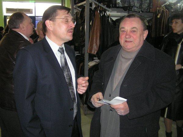 На выставке -ярмарке «Весна - Мариуполь-2011» впервые  представили отечественные  стиральные машинки, вилки и вафельницы (ФОТО), фото-2