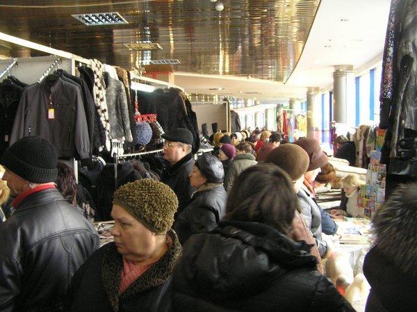 На выставке -ярмарке «Весна - Мариуполь-2011» впервые  представили отечественные  стиральные машинки, вилки и вафельницы (ФОТО), фото-1