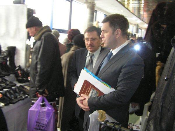 На выставке -ярмарке «Весна - Мариуполь-2011» впервые  представили отечественные  стиральные машинки, вилки и вафельницы (ФОТО), фото-3