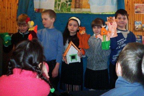 В Мариуполе детей приобщают к чтению с помощью театра кукол (ФОТО), фото-1