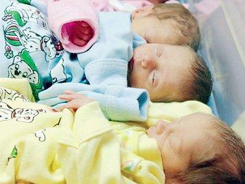 В Мариуполе стали реже рождаться и реже умирать, фото-1