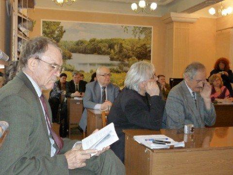 Мариупольский поэт призвал сограждан спасаться любовью (ФОТО), фото-1