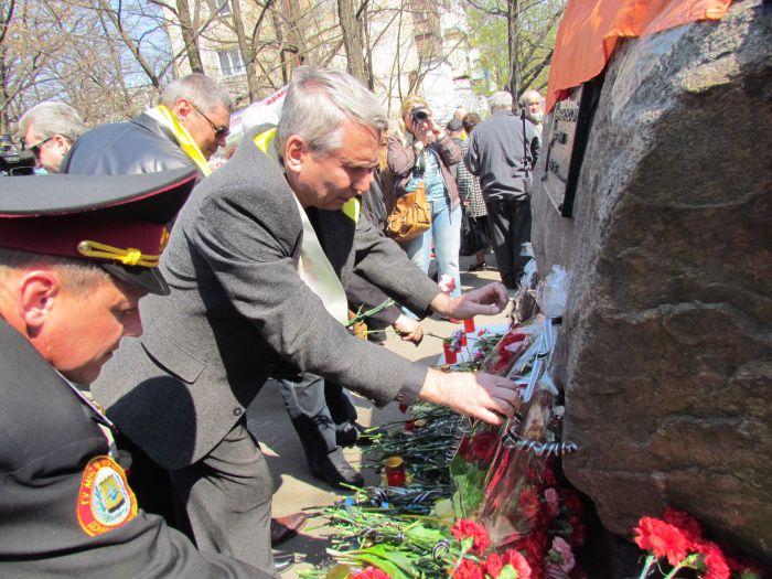 В Мариуполе в день чернобыльской трагедии помянули погибших(ФОТО) , фото-4