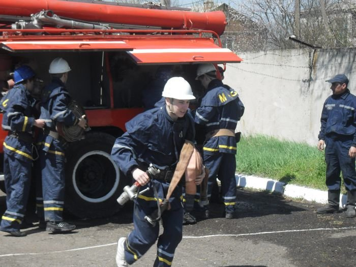 Мариупольские школьники прошли курс молодого бойца в «Школе безпеки» (ФОТО), фото-1