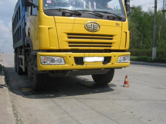 В Мариуполе водителей большегрузов штрафуют в две смены (ФОТО), фото-8
