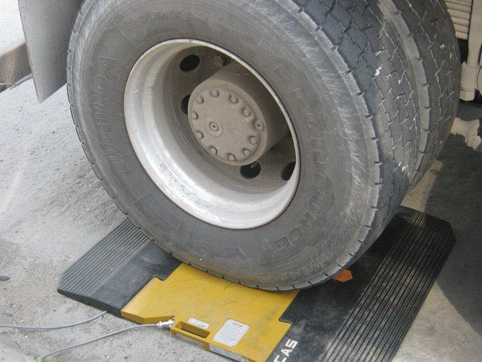 В Мариуполе водителей большегрузов штрафуют в две смены (ФОТО), фото-3