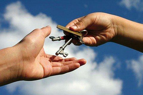 В Мариуполе 10 тысяч 800 семей все еще надеются получить  бесплатные квартиры, фото-1