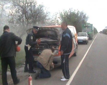 В Крыму инспектора ГАИ спасали мариупольца, который загорелся в «Мерседесе» (ФОТО), фото-3