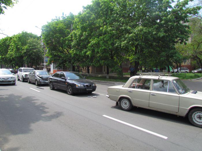 Четыре машины столкнулись в центре Мариуполя (ФОТО), фото-5