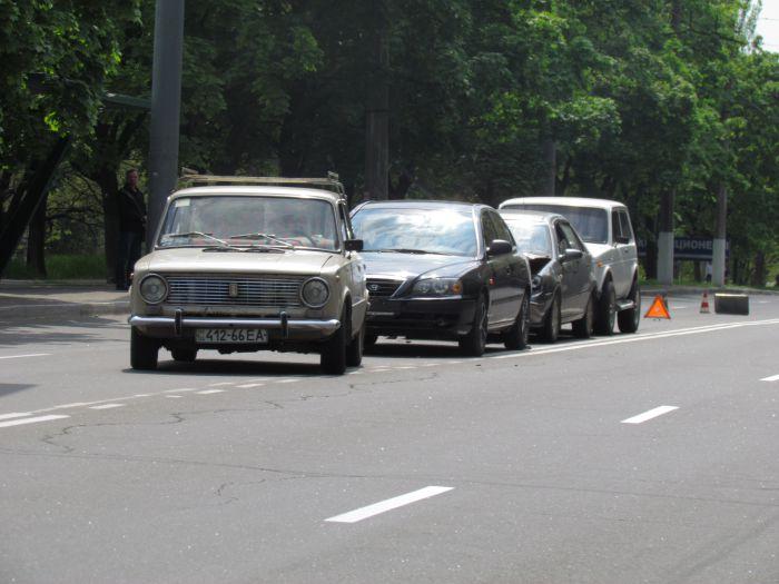 Четыре машины столкнулись в центре Мариуполя (ФОТО), фото-1