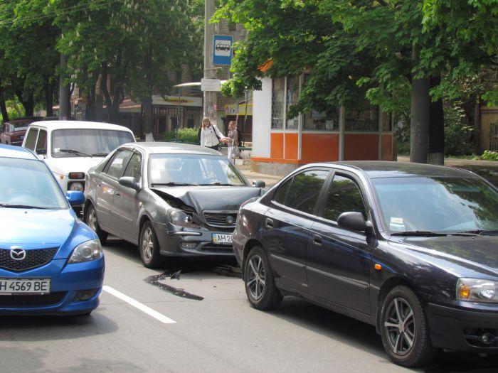 Четыре машины столкнулись в центре Мариуполя (ФОТО), фото-6