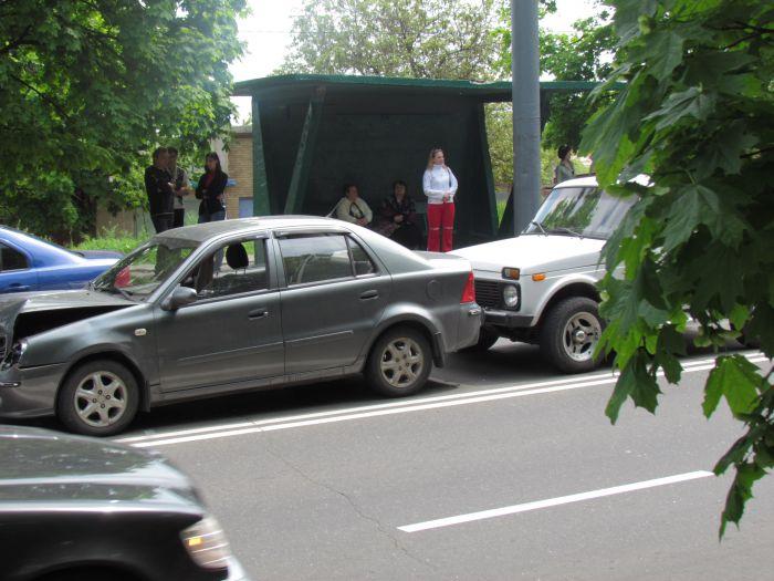 Четыре машины столкнулись в центре Мариуполя (ФОТО), фото-2