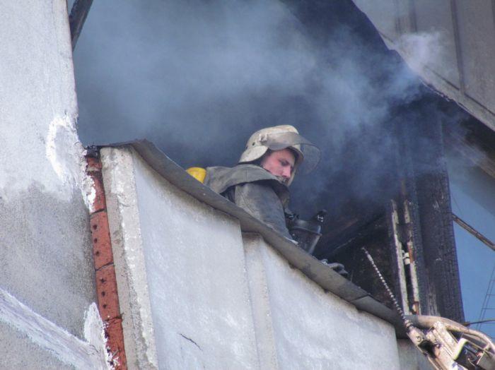 Вчера в Мариуполе курильщик подпалил свою квартиру (ФОТО), фото-5