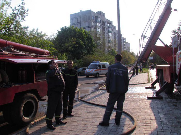 Вчера в Мариуполе курильщик подпалил свою квартиру (ФОТО), фото-10