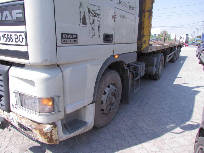 Вчера в Мариуполе два грузовика не поделили дорогу, перекрыв движение по бульвару Шевченко  (ФОТО), фото-2