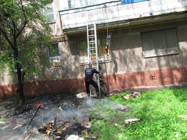 В Мариуполе горит многоэтажный дом (Добавлены ФОТО, ВИДЕО), фото-17
