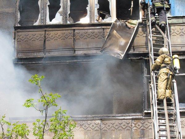В Мариуполе горит многоэтажный дом (Добавлены ФОТО, ВИДЕО), фото-7