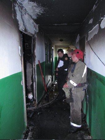 В Мариуполе горит многоэтажный дом (Добавлены ФОТО, ВИДЕО), фото-25