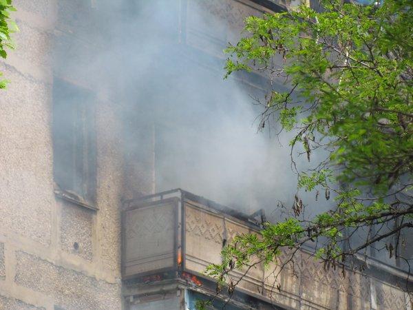 В Мариуполе горит многоэтажный дом (Добавлены ФОТО, ВИДЕО), фото-3