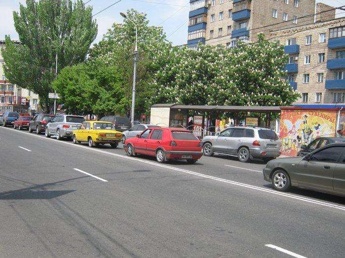 В Мариуполе запретят парковать автомобили возле экс-ЦУМа (ФОТО), фото-2