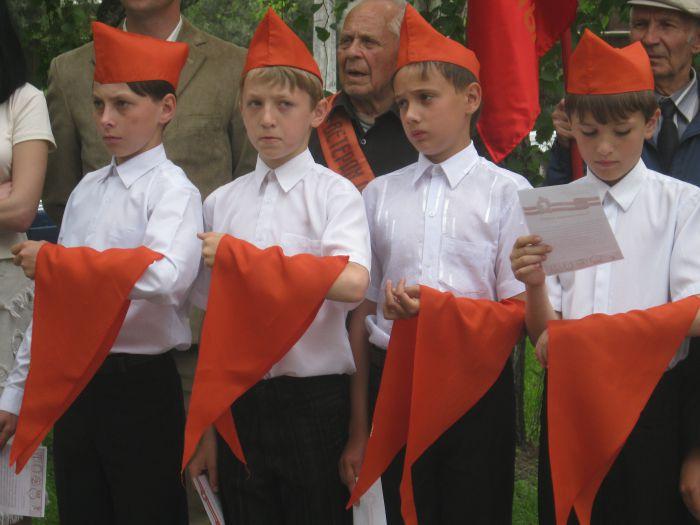 В Мариуполе впервые за 20  лет Независимости  принимали в пионеры (ФОТО), фото-1