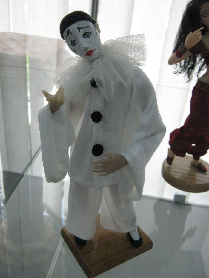 В Мариуполе куклы улыбаются, грустят и мечтают о принцах (ФОТО), фото-1