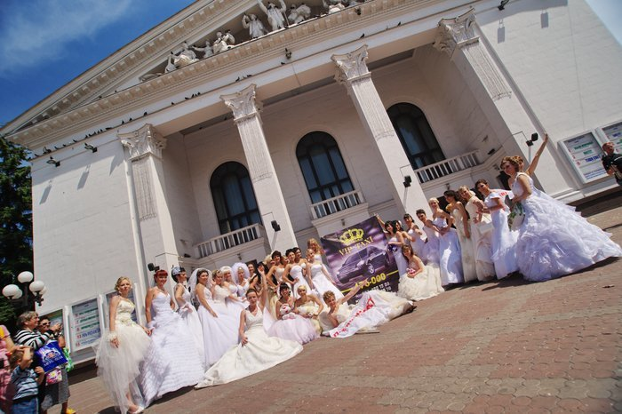 В Мариуполе 42 невесты устроили парад (ФОТО), фото-2