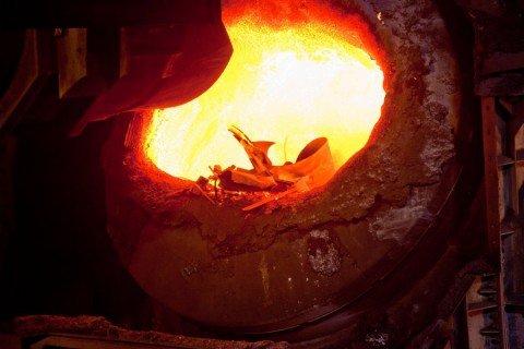 В Мариуполе краски руды, угля и металла плеснули на бумагу более 100 человек, фото-1
